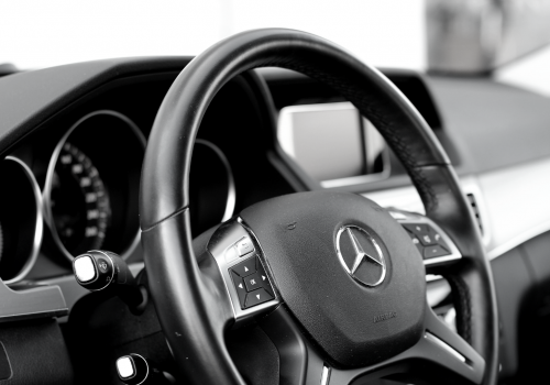 Taxi Graz, hire-a-car,mercedes,innen-black and white