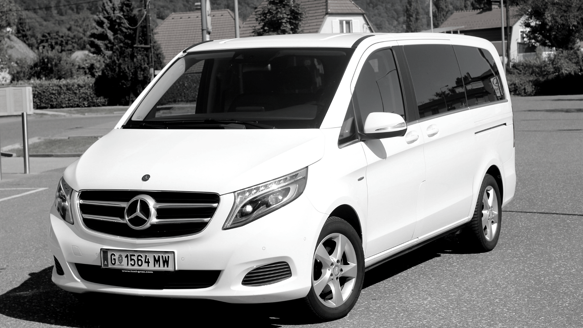 Taxi-hire-a-car-mercedes_vito_1