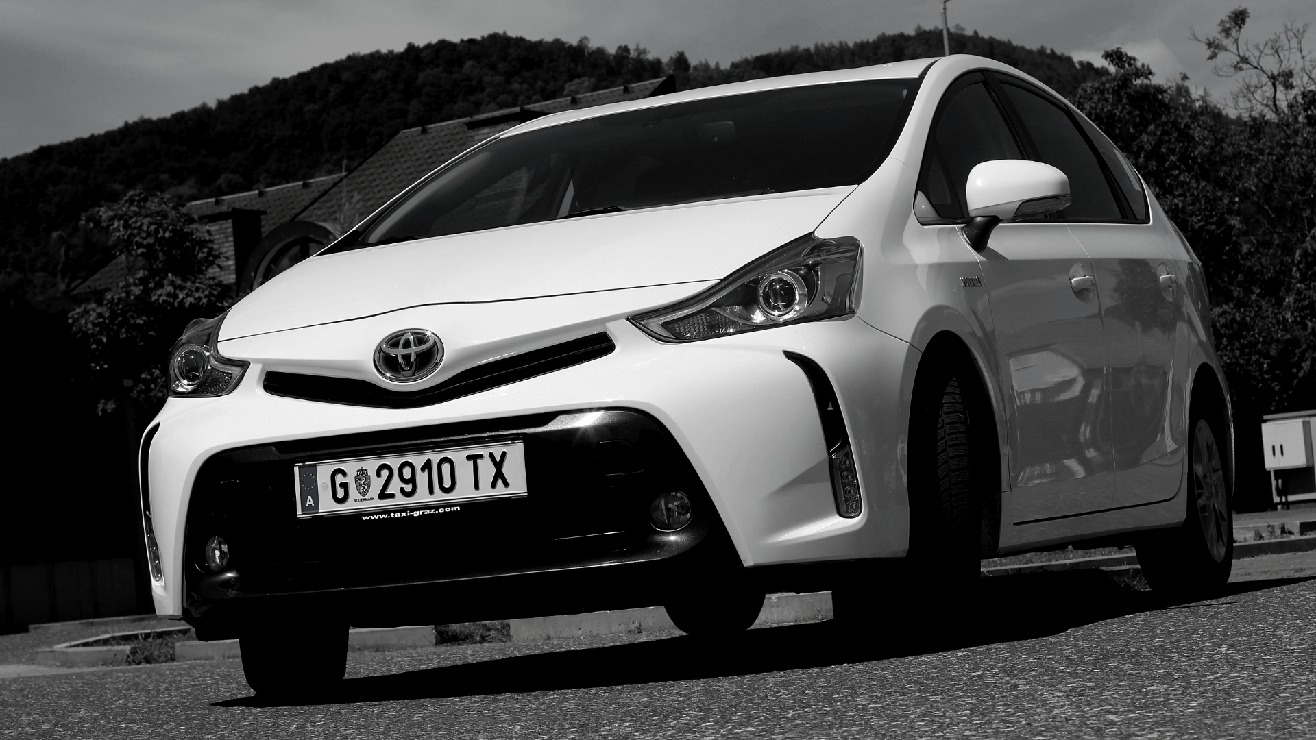 hire-a-car-toyota-hybrid