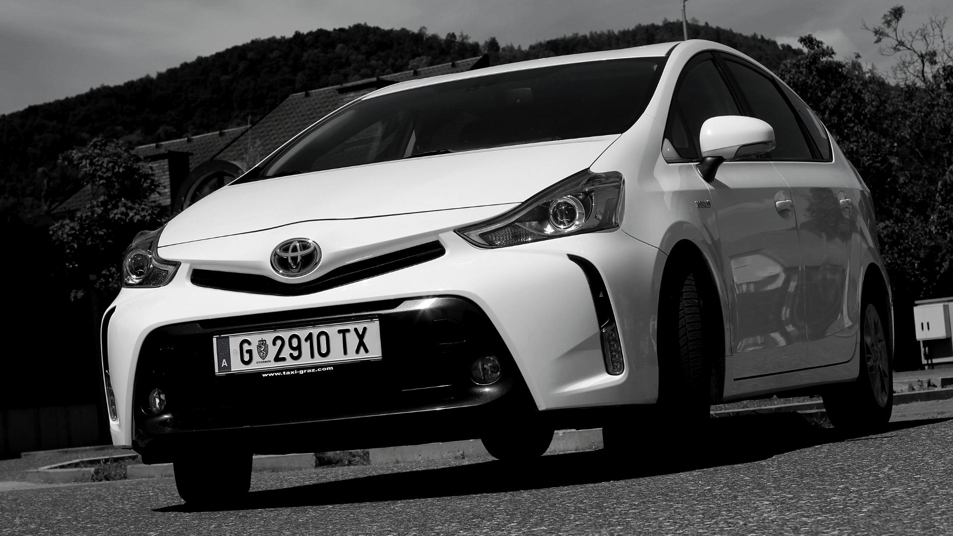 hire-a-car-toyota-hybrid