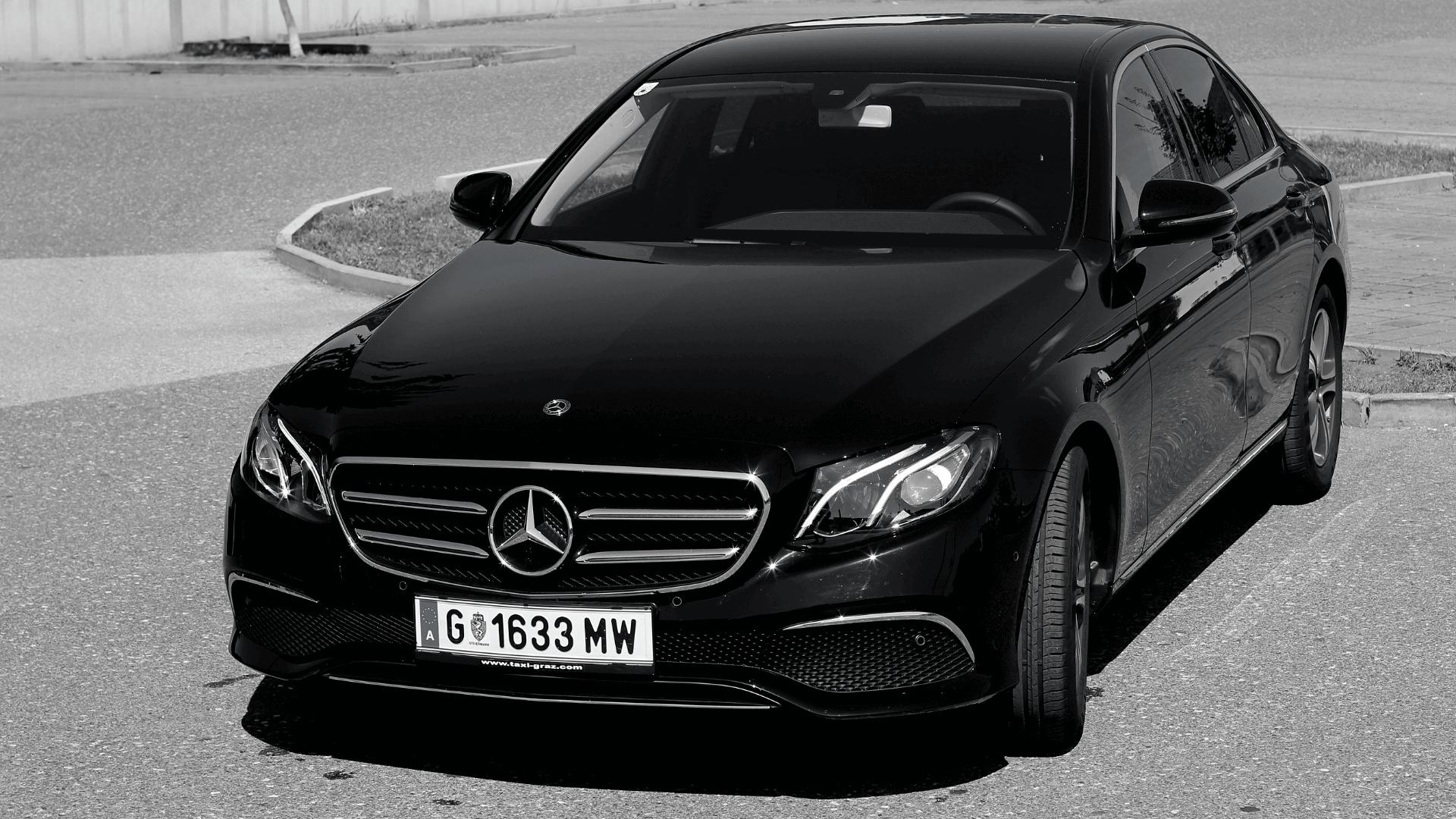hire-a-car-Taxi Graz-mercedes_e-klasse-schwarz-min